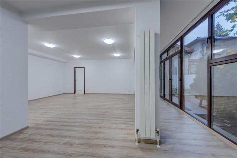 Zona Casin, vila P+2, 385 mp utili, 7 camere - ideal sediu firma -  de vanzare